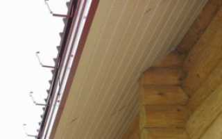 Как обшить софитом свес крыши