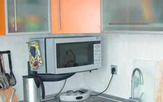 Как подвесить микроволновку к верхнему шкафу