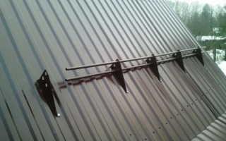 Как правильно поставить снегозадержатели на металлочерепицу