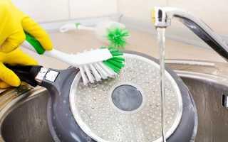 Как почистить сковороду уксусом и содой