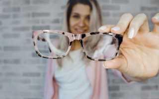 Как оттереть клей момент от стекла