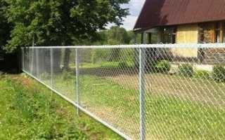 Как правильно построить забор из рабицы